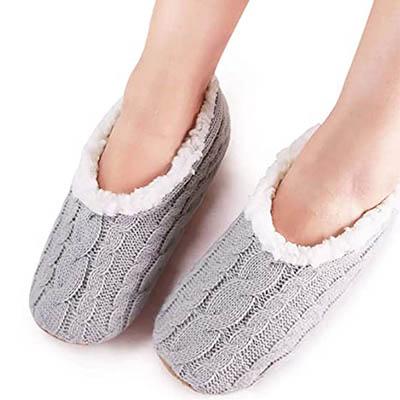 Vero Monte Women's Slipper Socks with Grippers